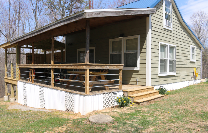 Mile High Cabin - Good Earth Cabins located in Hocking Hills ...